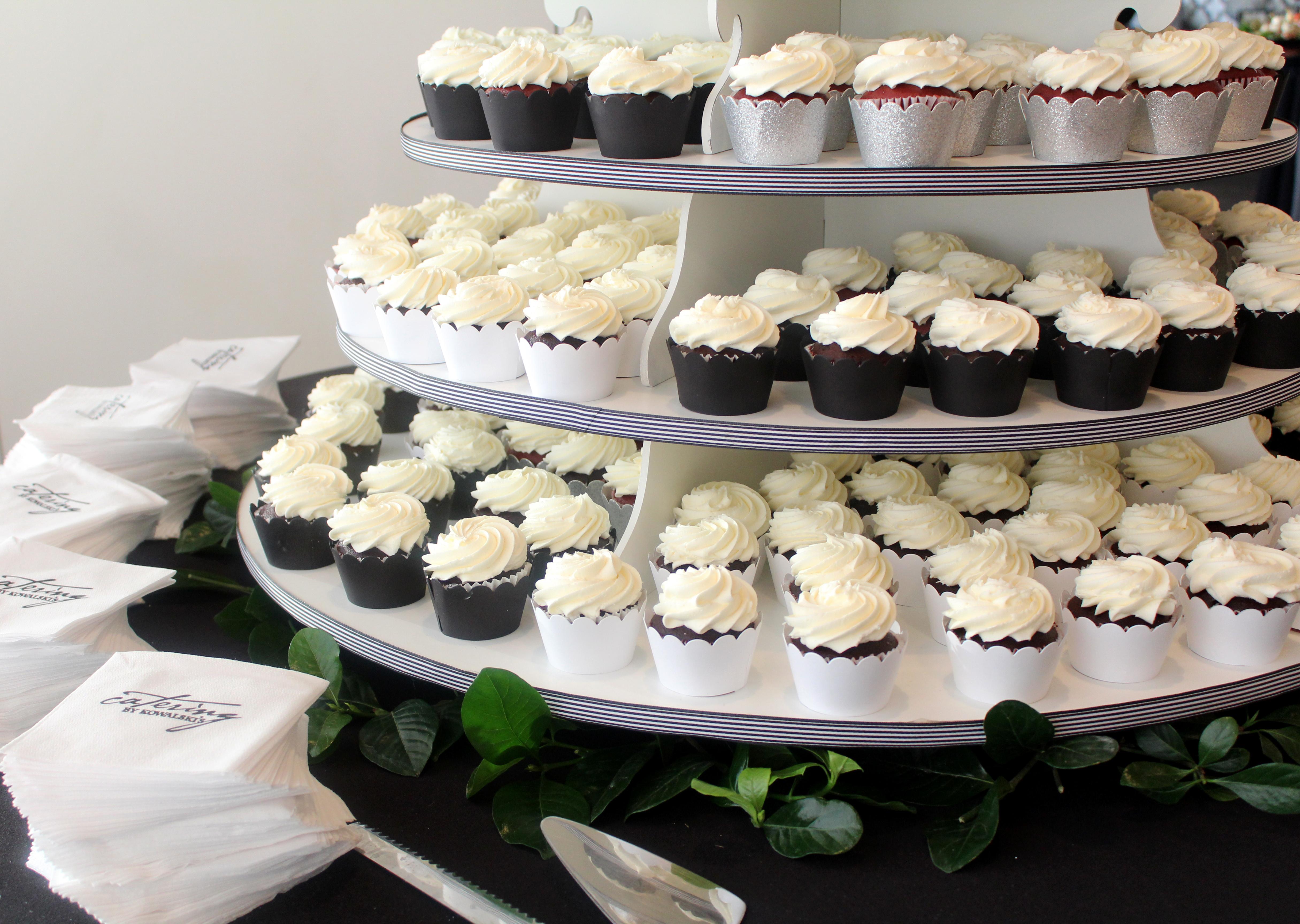 Custom Cake Order Cupcake Display