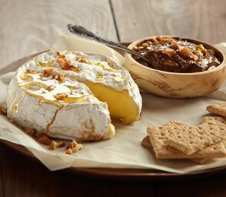 Baked Brie with Chocolate Spread and Grahams