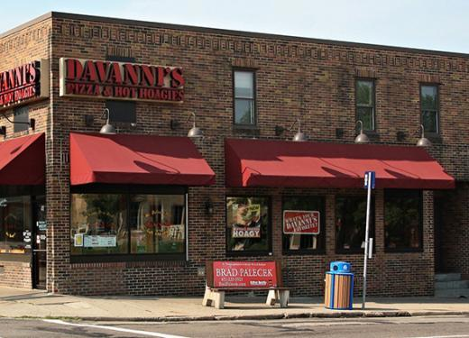 Davanni's Storefront on Grand Avenue