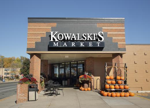 Kowalski's Parkview Market Storefront on Chicago Avenue